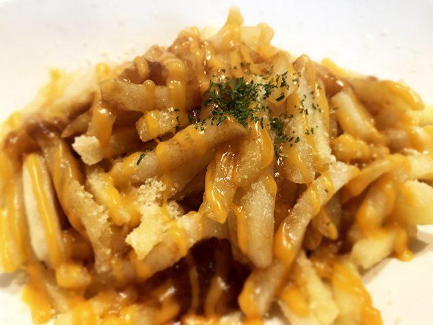 サーハビーポテト(グレイビーソースと2種のチーズ)